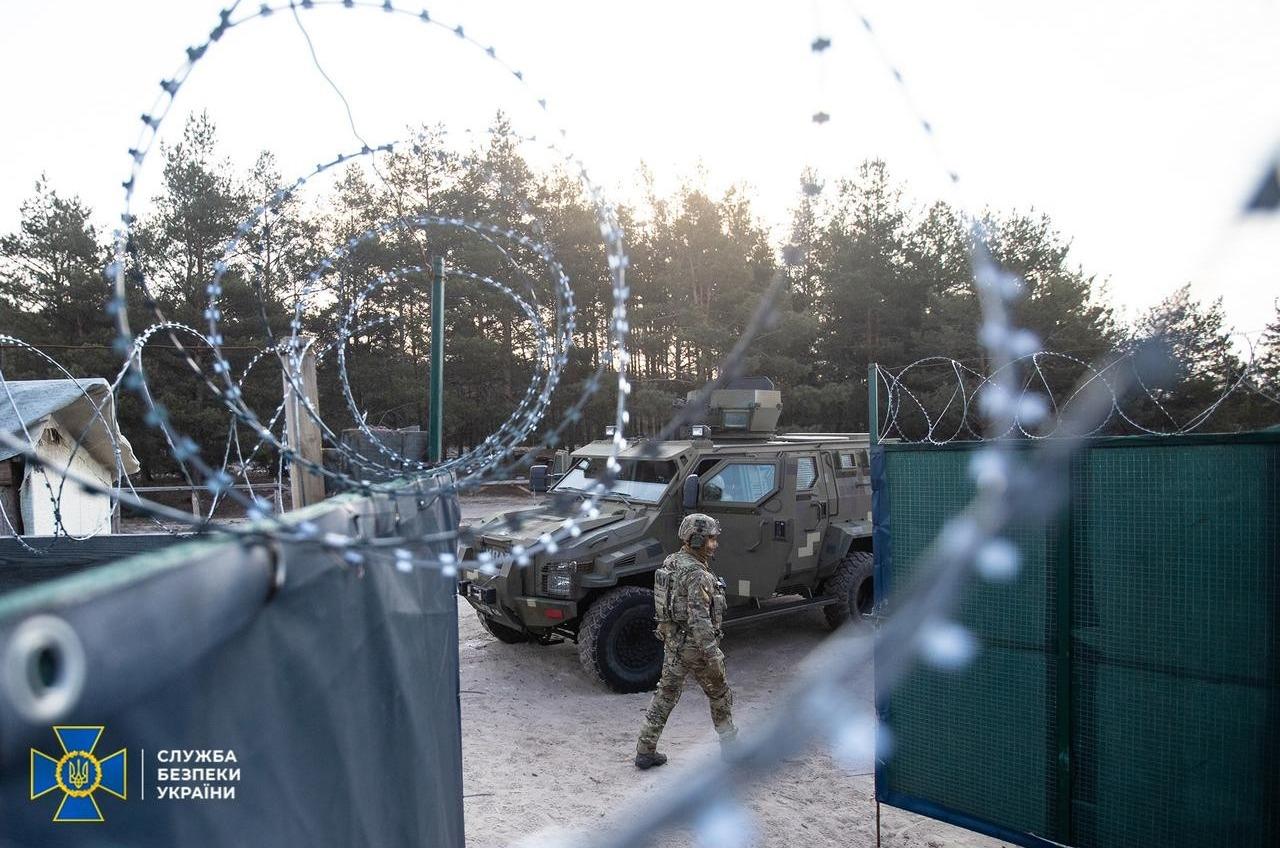 Экс-нардеп Семенченко и агент НАБУ создали ЧВК и торговали оружием из РФ, – СБУ (фото, видео) «фото»