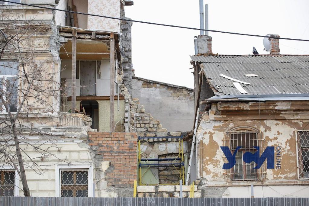 В центре Одессы «подлатали» частично обрушившийся дом-памятник архитектуры (фото) «фото»