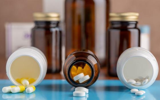 Лекарства от туберкулеза и ВИЧ начали выдавать и в выходные дни «фото»