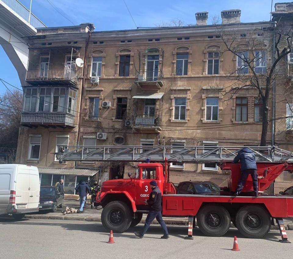 В доме на Военном спуске загорелась квартира – есть погибший (фото) «фото»