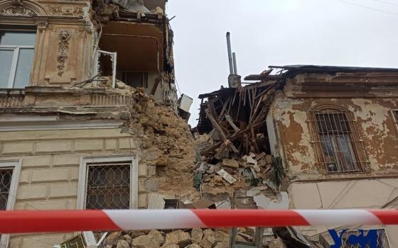 В центре Одессы рухнула часть памятника архитектуры (фото) «фото»