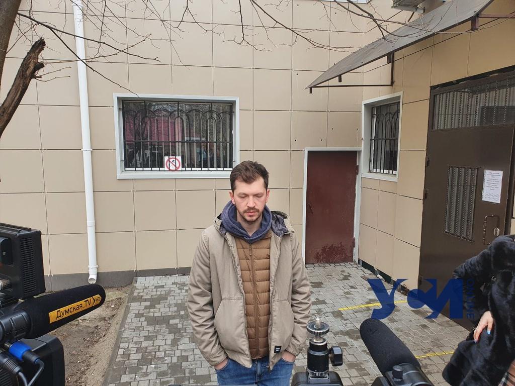 Одесского фотографа, которому грозит 8 лет тюрьмы, отправили под ночной домашний арест (фото) «фото»
