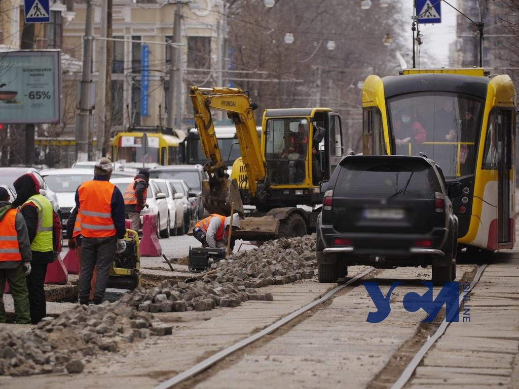 На Французском бульваре – огромные пробки: там начали ремонт (фото) «фото»