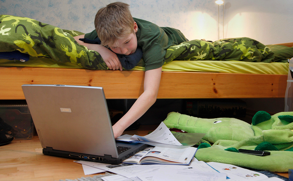 Младшие классы на дистанционке: в Одессе проведут опрос родителей «фото»