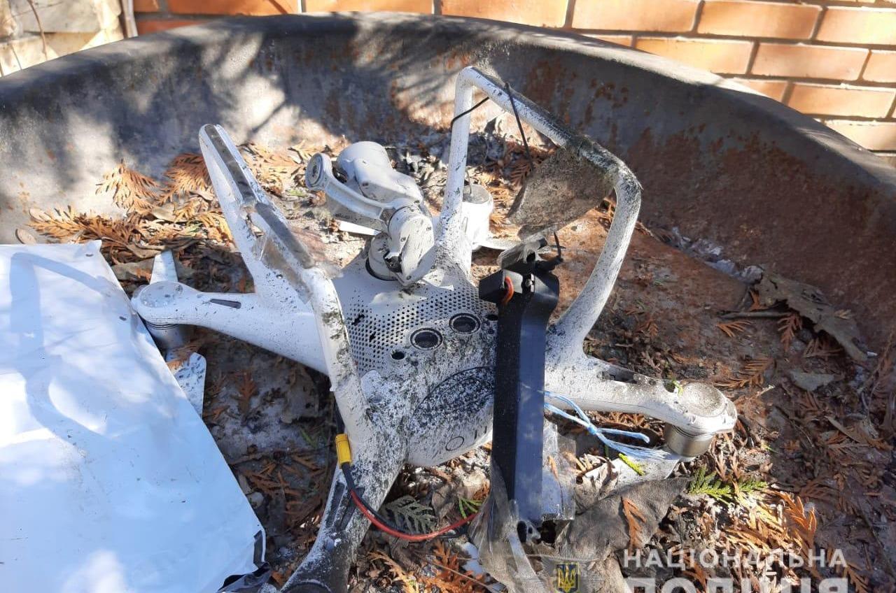 В Одессе на жилой дом скинули взрывчатку с квадрокоптера (фото) «фото»