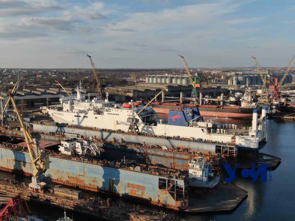 ИСРЗ в Черноморске: самый крупный судоремонтный завод Украины (фото, видео) «фото»