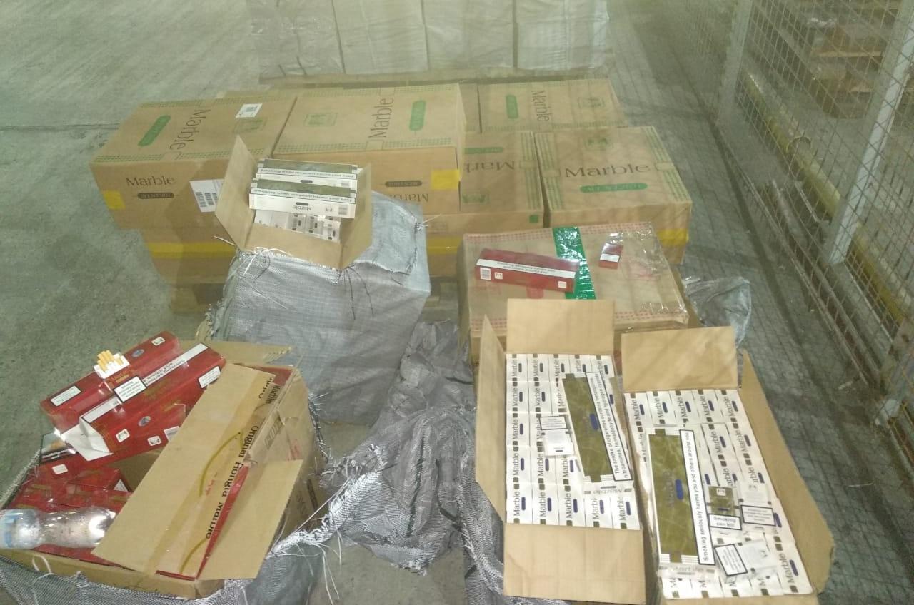 Из Египта в Черноморск пытались нелегально провезти 13 тонн сигарет (фото, видео) «фото»