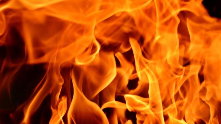В бывшей школе на 5-й Фонтана во время пожара пострадал пожилой мужчина «фото»