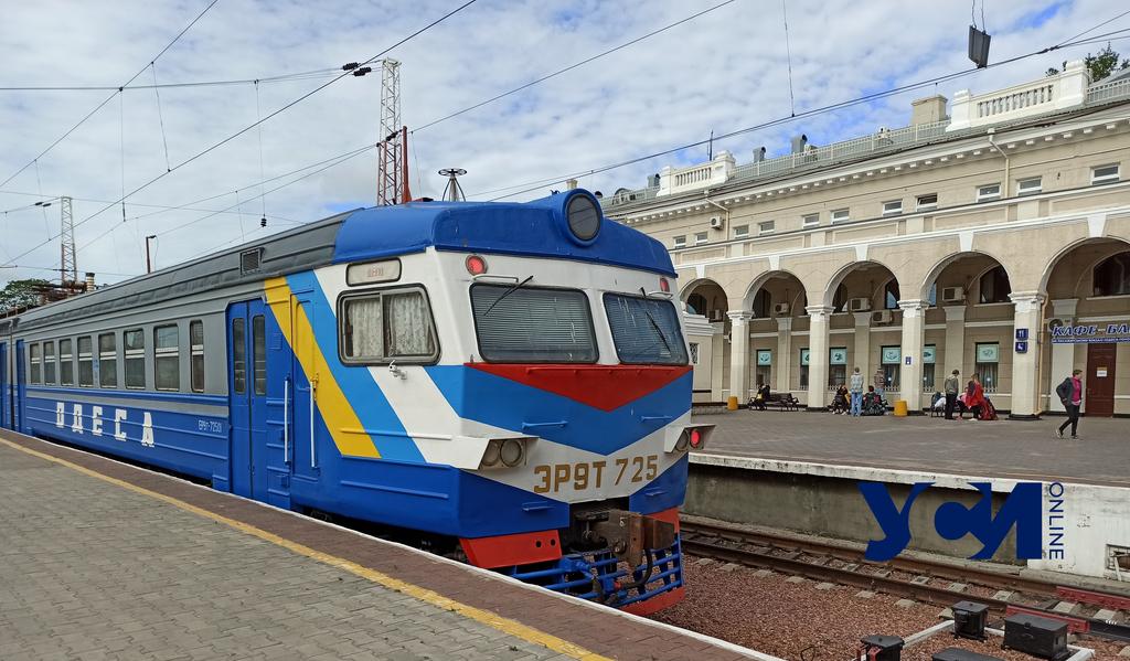 В города «красной зоны» отправились «карантинные» поезда «фото»