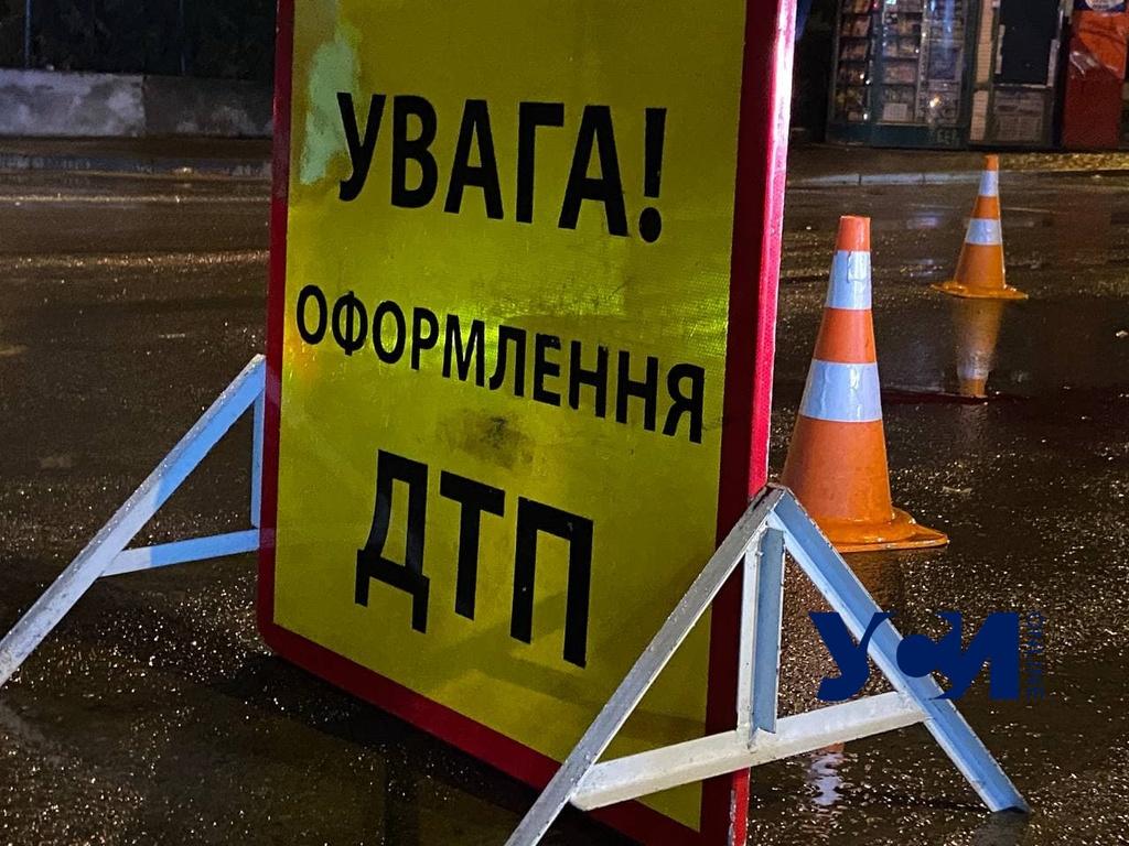 В Одессе ищут водителя, который сбил насмерть женщину и сбежал «фото»