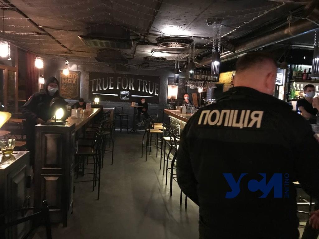 «Ковидные облавы»:в Одессе полицейские проверяют клубы (фото) «фото»