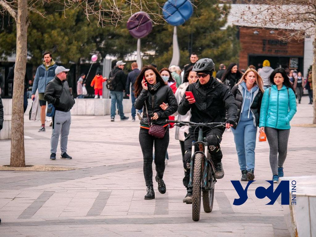 Аншлаг в Аркадии: первые выходные Одессы в «красной зоне» (фото) «фото»