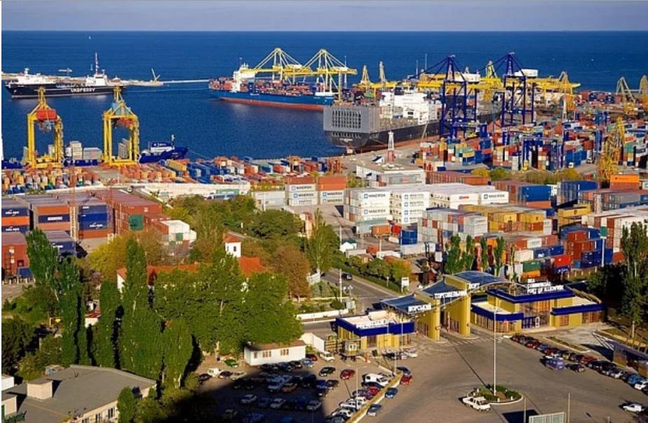 В Черноморском порту разорвали договор с частным арендатором, задолжавшим миллионы «фото»
