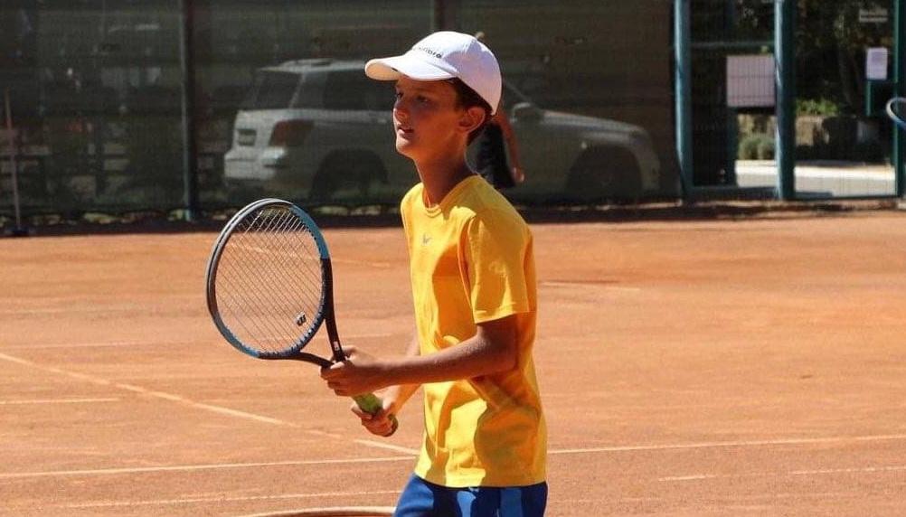 Юному теннисисту из Одессы нужна помощь: у него рак мозга (фото) «фото»