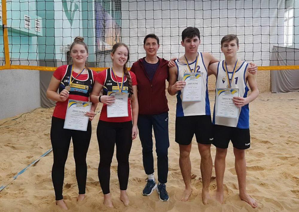 Пляжные волейболисты из Одесской области завоевали «серебро» на чемпионате страны «фото»