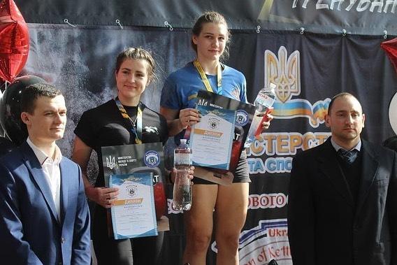 Курсантка одесской Военной академии установила всеукраинский рекорд (фото) «фото»