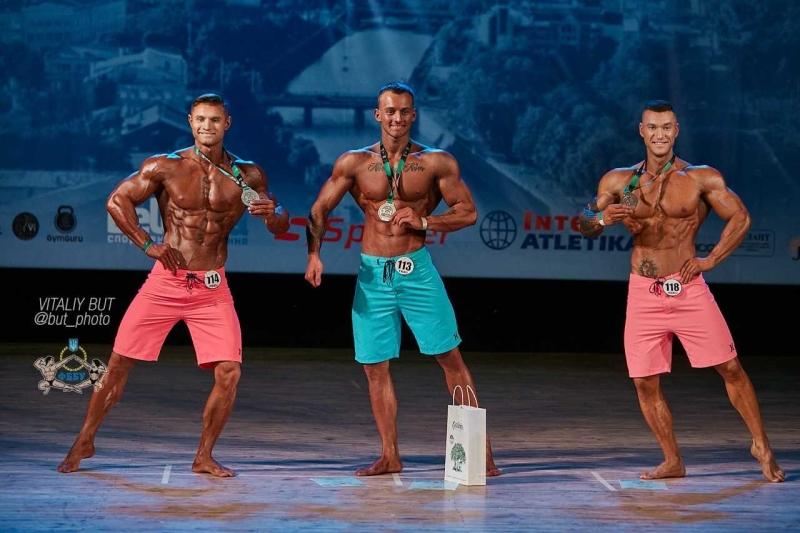 Одесские бодибилдеры заняли первые места на Кубке Украины (фото) «фото»