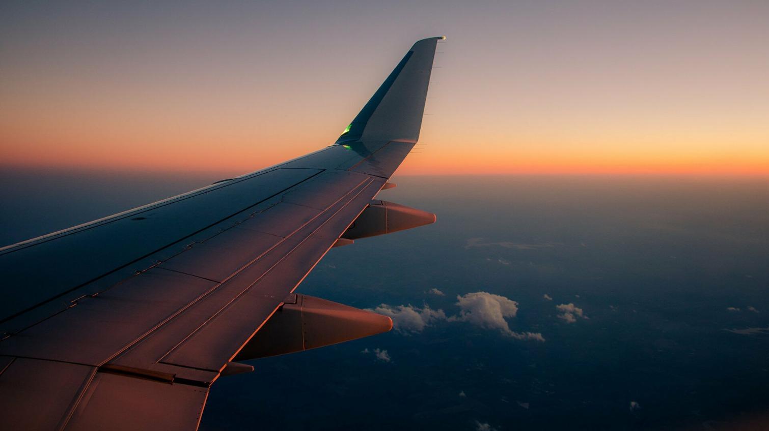 В зоне риска: Канада рекомендовала авиакомпаниям быть осторожными при полетах над Одессой «фото»