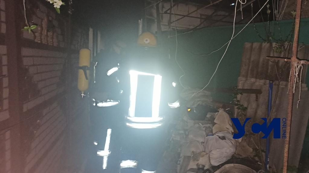 Одесситка проснулась из-за пожара: ей удалось спастись с детьми (фото) «фото»