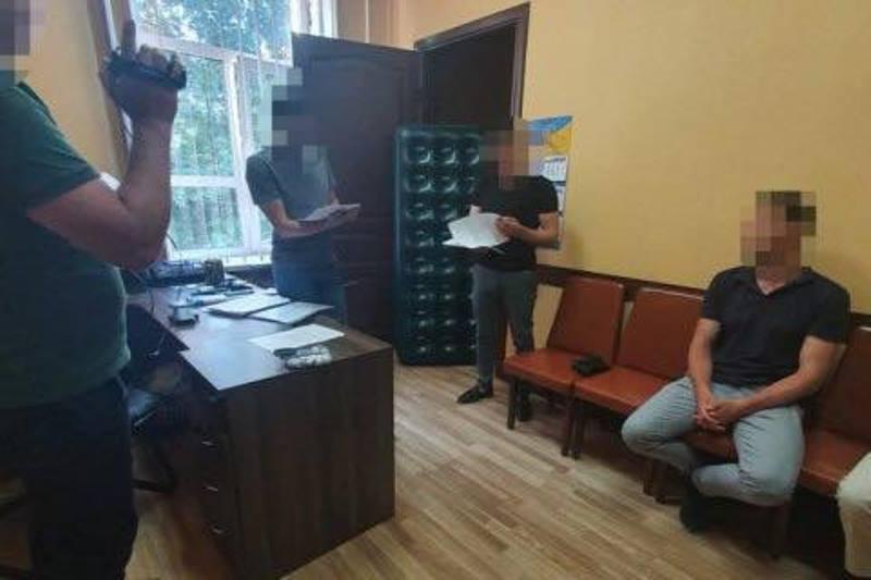 В Одессе за взятку в 50 тысяч долларов будут судить сотрудника СБУ «фото»