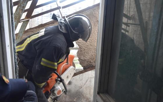 На Таирова обвалился балкон на седьмом этаже (фото) «фото»
