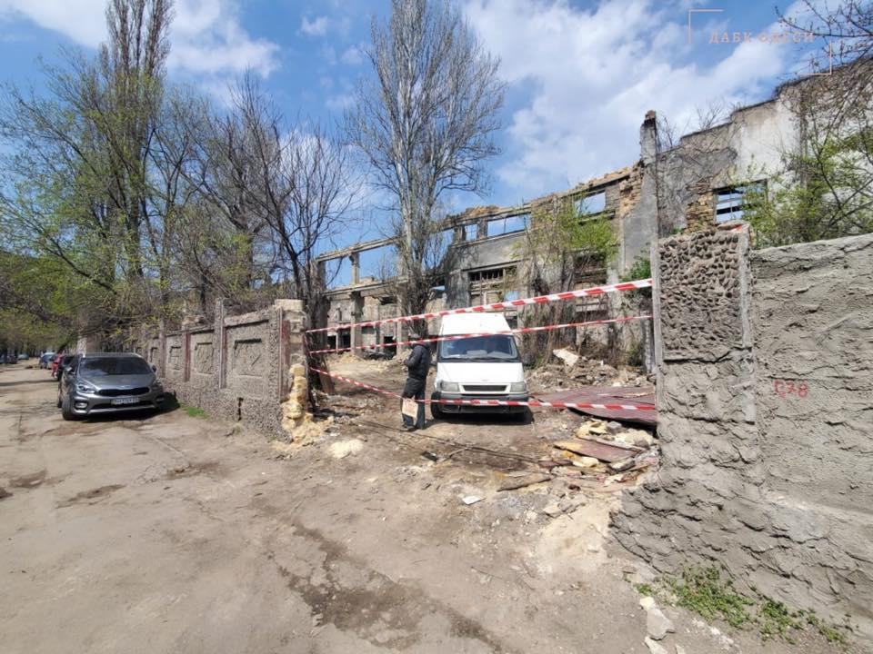 Незаконные строительные работы: на Приморскую вызвали полицию (фото) «фото»