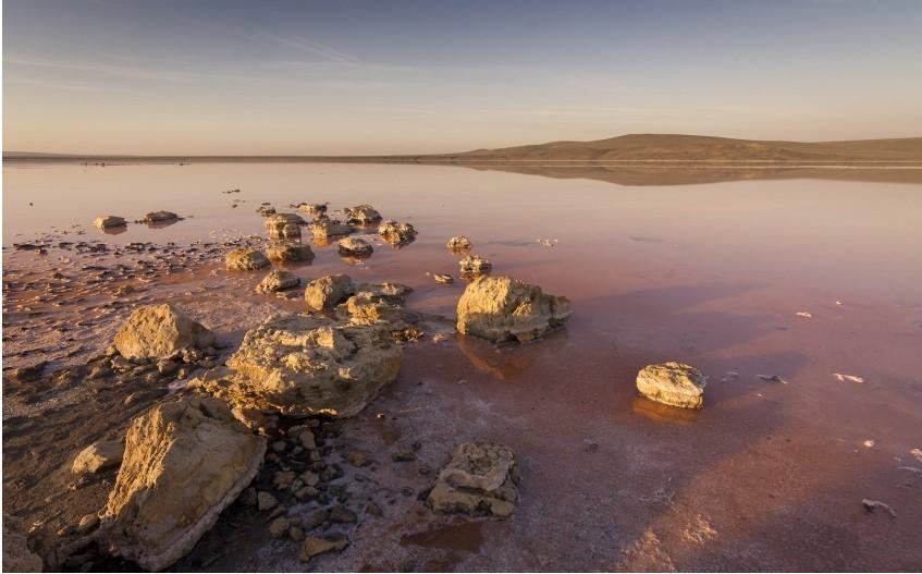 В оккупированном Крыму химзавод сбрасывает отходы в уникальное соленое озеро (фото) «фото»