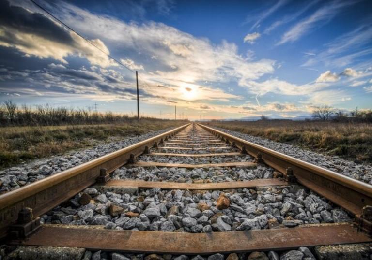 В Одессе пенсионерка погибла, бросившись под поезд «фото»