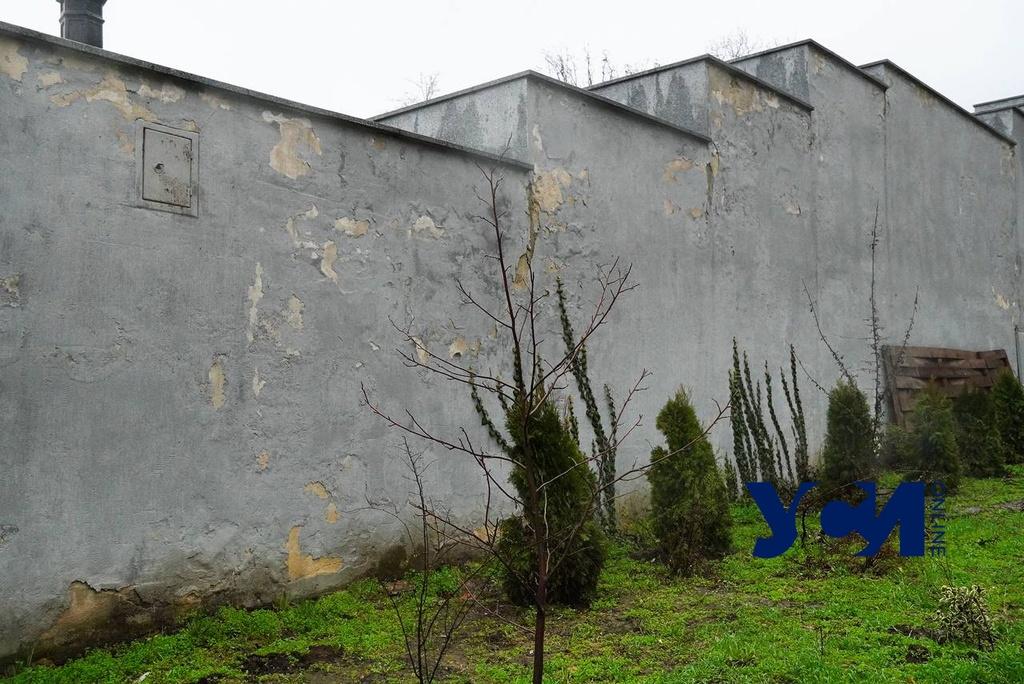 Потемкинская лестница сыпется: власти обещают отремонтировать ее к лету (фото) «фото»