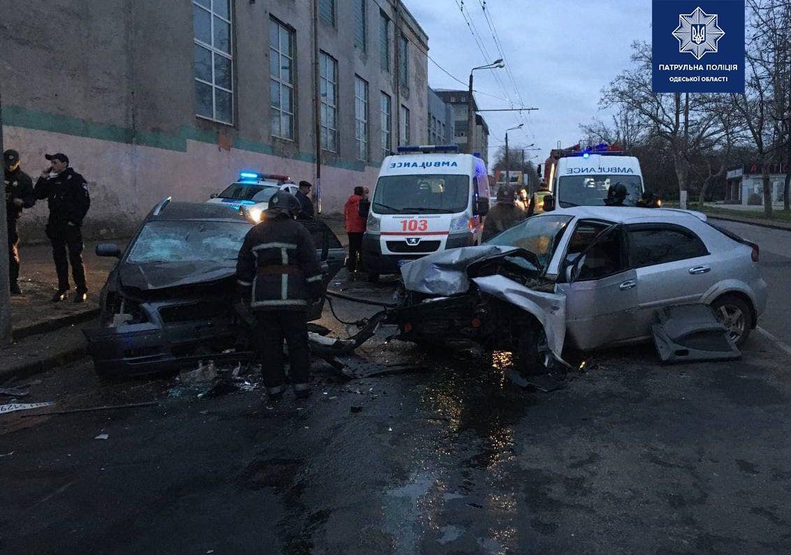 На Мельницкой столкнулись две легковушки: погиб мужчина (фото) «фото»