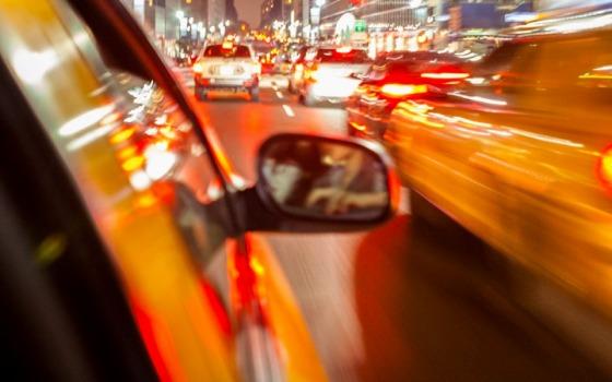 Украл такси и избил водителя: пассажир получил условный срок «фото»