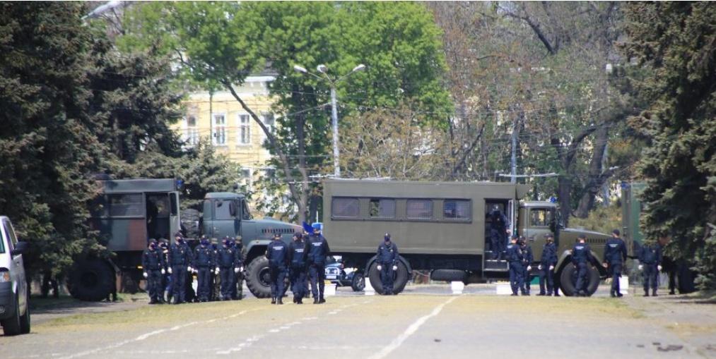 Безопасность у Дома профсоюзов 2 мая будут обеспечивать 2,5 тысячи правоохранителей «фото»