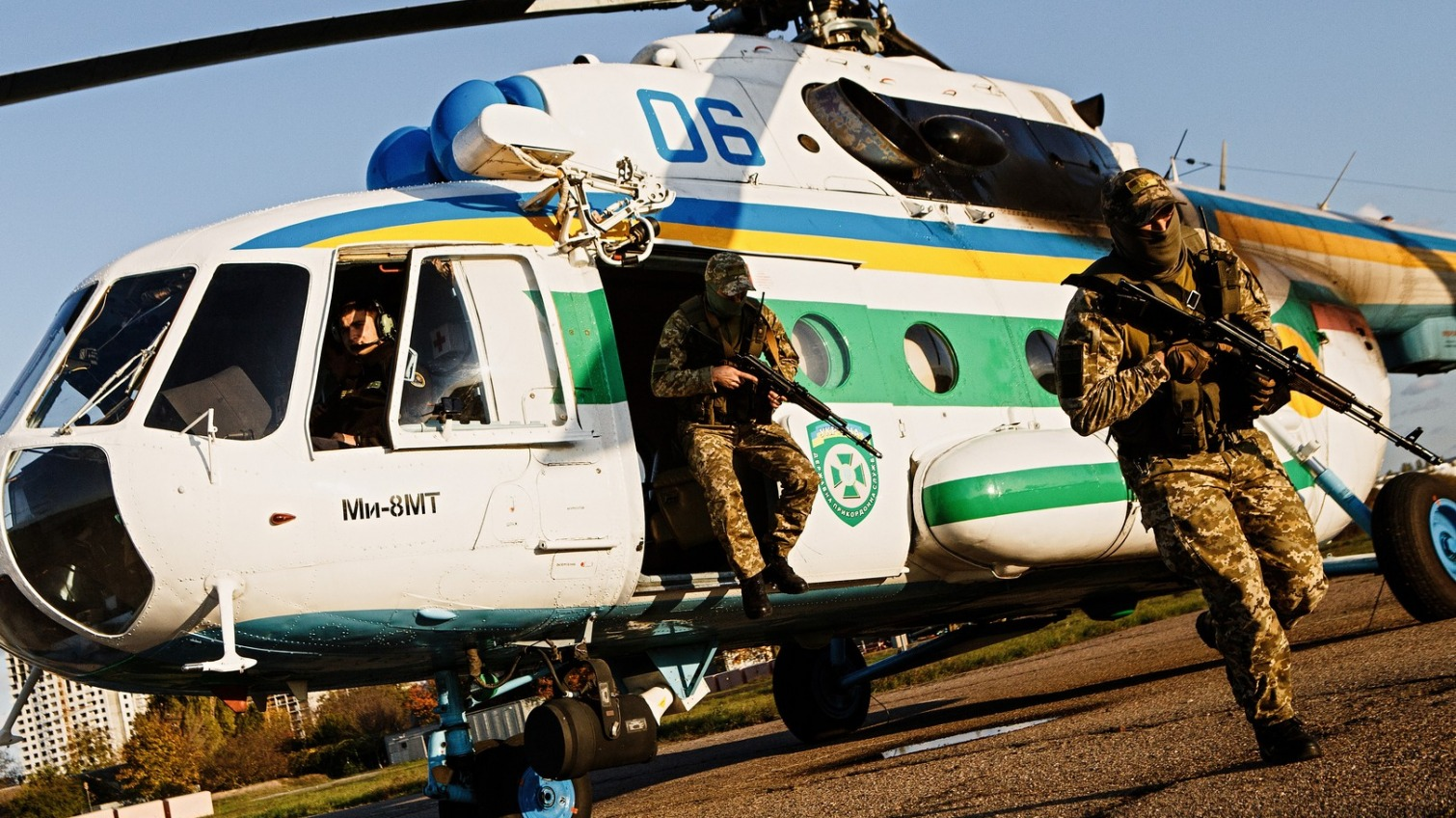 В Белгород-Днестровском погранотряде появился вертолет (фото, видео) «фото»