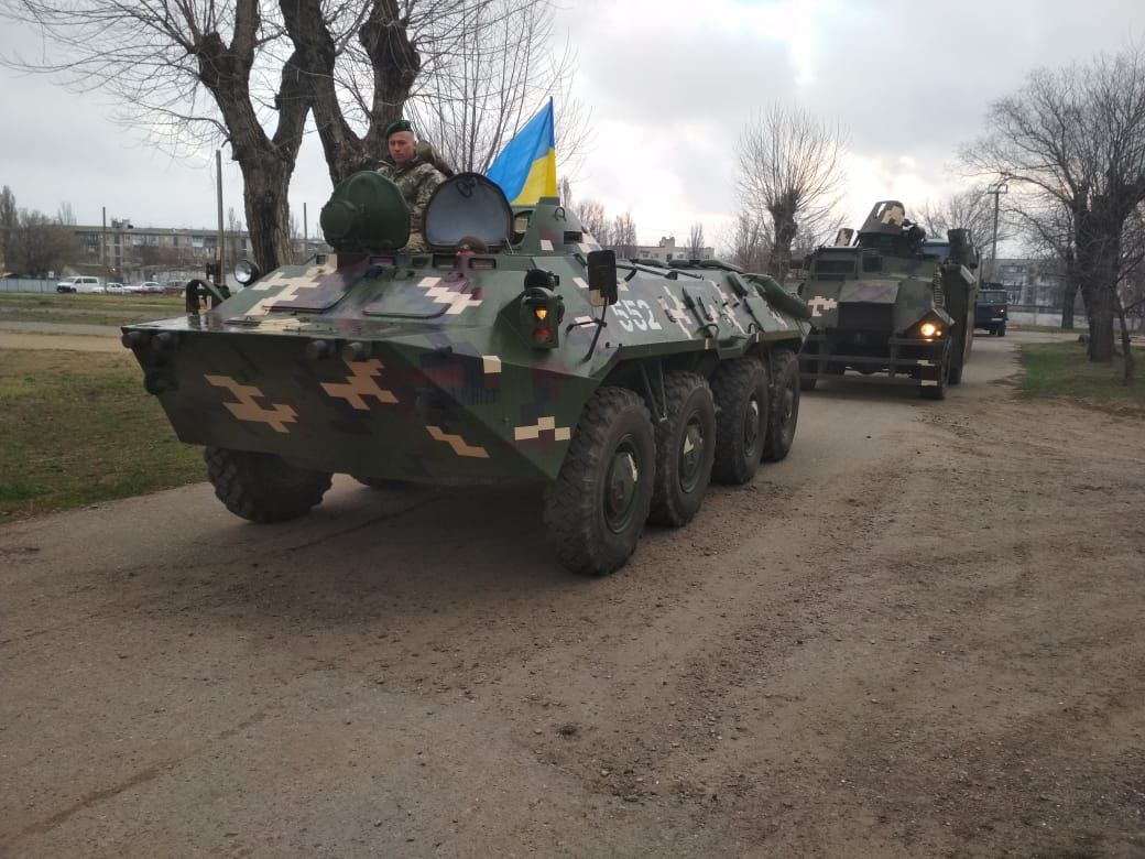 На юге Одесской области пограничники на БТР отрабатывают прикрытие границы (фото, видео) «фото»