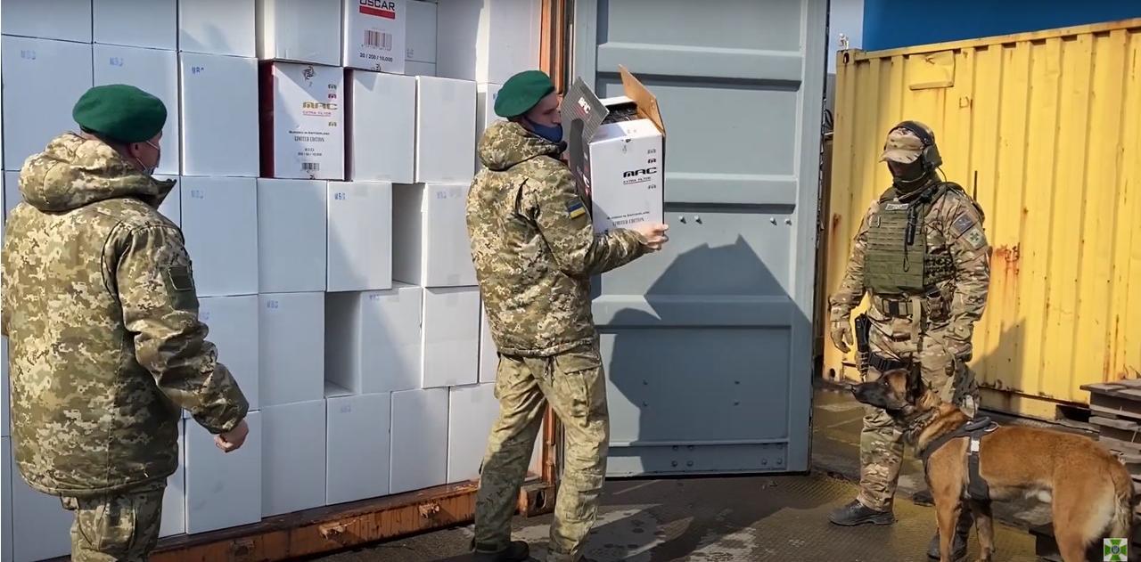 В Одесском порту нашли безакцизные сигареты на 145 млн (видео) «фото»