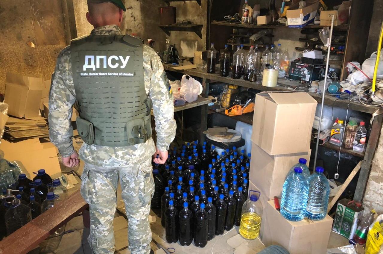 В Одесской области накрыли цеха с поддельным алкоголем (фото, видео) «фото»
