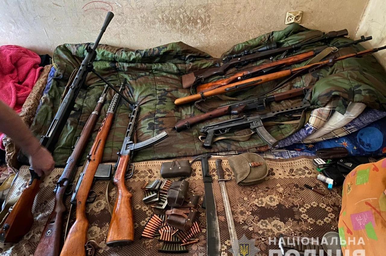 Гранаты, пулеметы и винтовки: у одесского криминалитета провели обыски (фото) «фото»