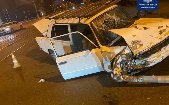 На Молдаванке столкнулись две легковушки: пострадал парень (фото) «фото»