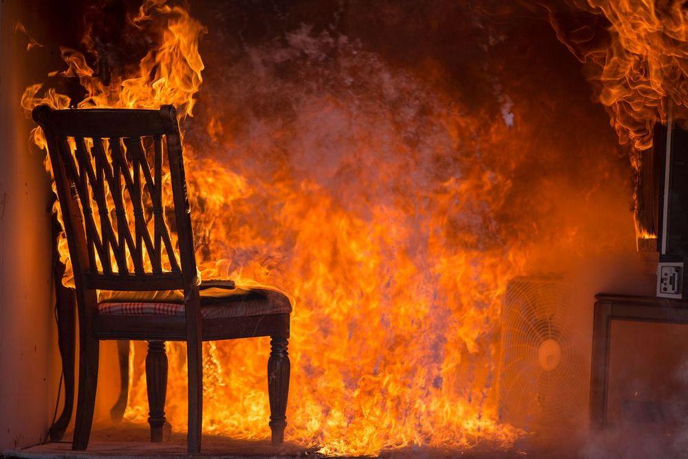 В Арцизе мужчина сядет за то, что сжег 2 квартиры, школу и пытался поджечь друга «фото»