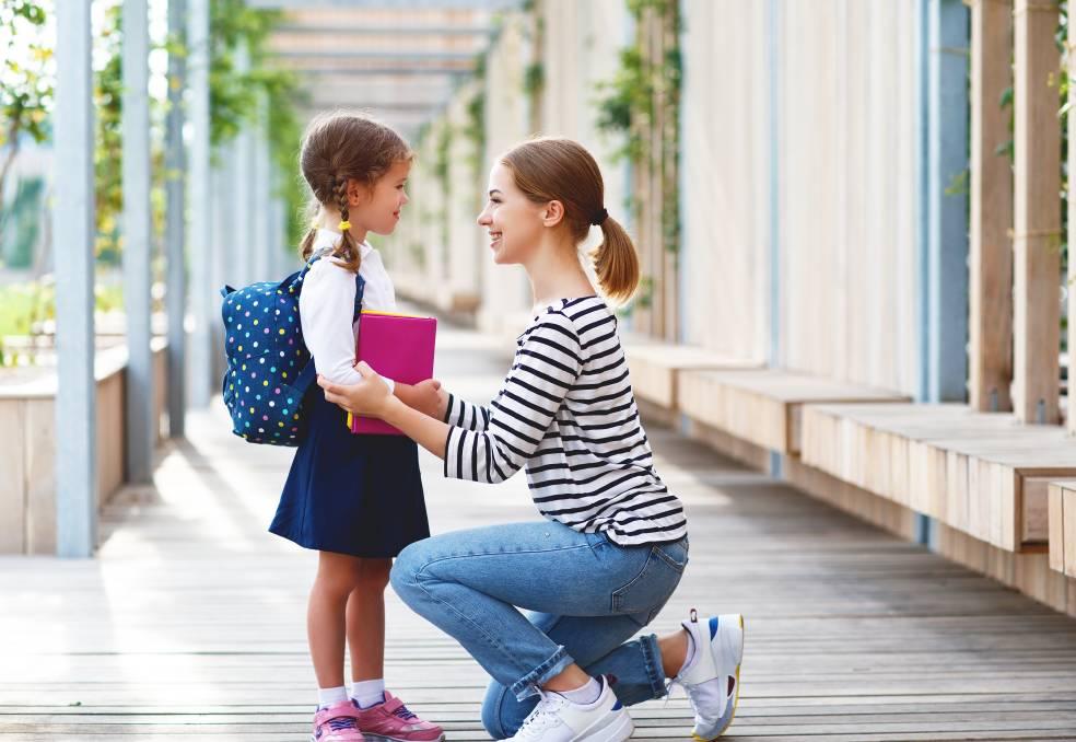 В Одессе орудуют мошенники, «устраивающие» детей в школы «фото»
