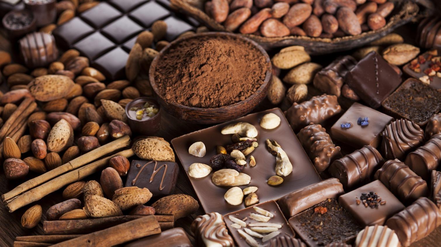 Руководство любит сладкое: порт «Южный» заказал 2,5 тонны сладостей за миллион «фото»