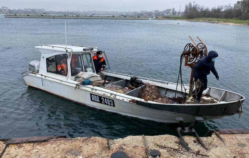 В Крыму россияне задержали украинских рыбаков (фото) «фото»