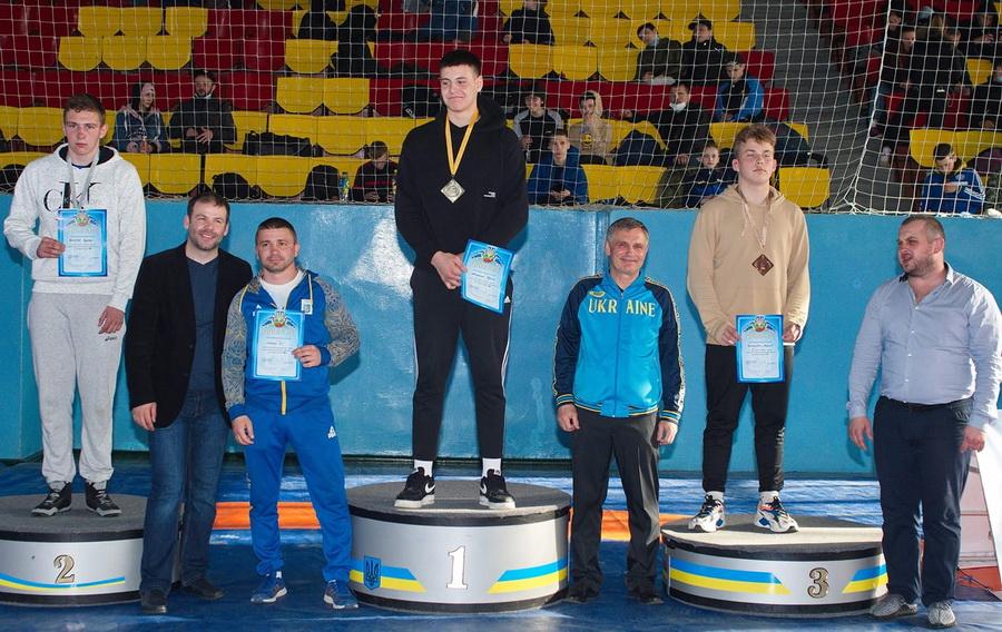 Юные одесситы завоевали 9 медалей на чемпионате Украины по борьбе (фото) «фото»