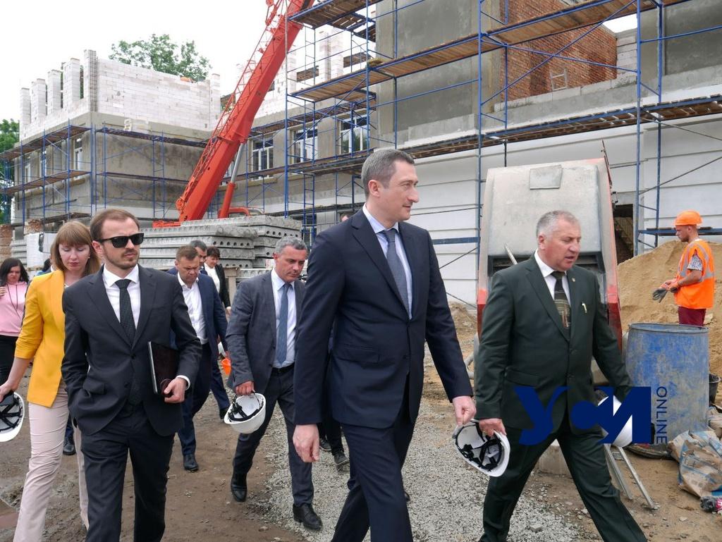 «Большая стройка»: министр проинспектировал, как ремонтируют социальные объекты в Одесской области (фото) «фото»
