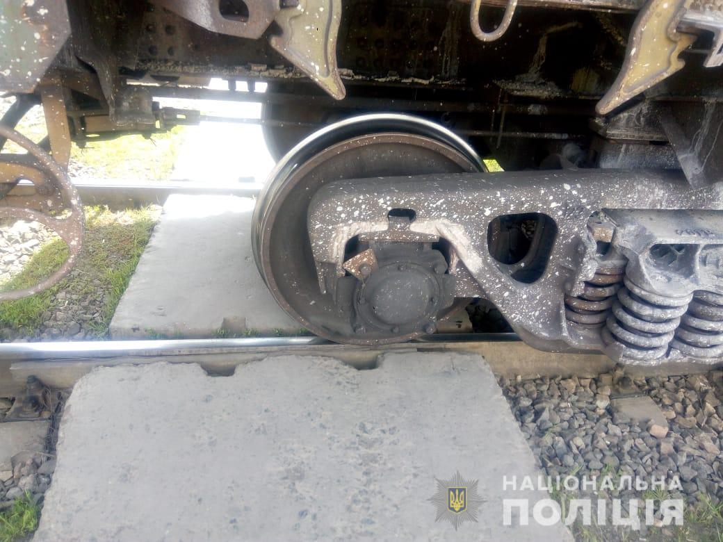 В Раздельной мужчина погиб под поездом (фото) «фото»