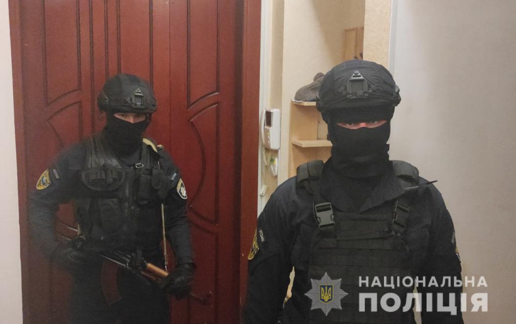 В Приморском районе накрыли бордель (фото, видео) «фото»