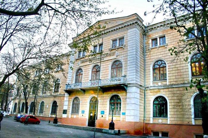 Суд закрыл и обязал обесточить всездания университета имени Мечникова «фото»