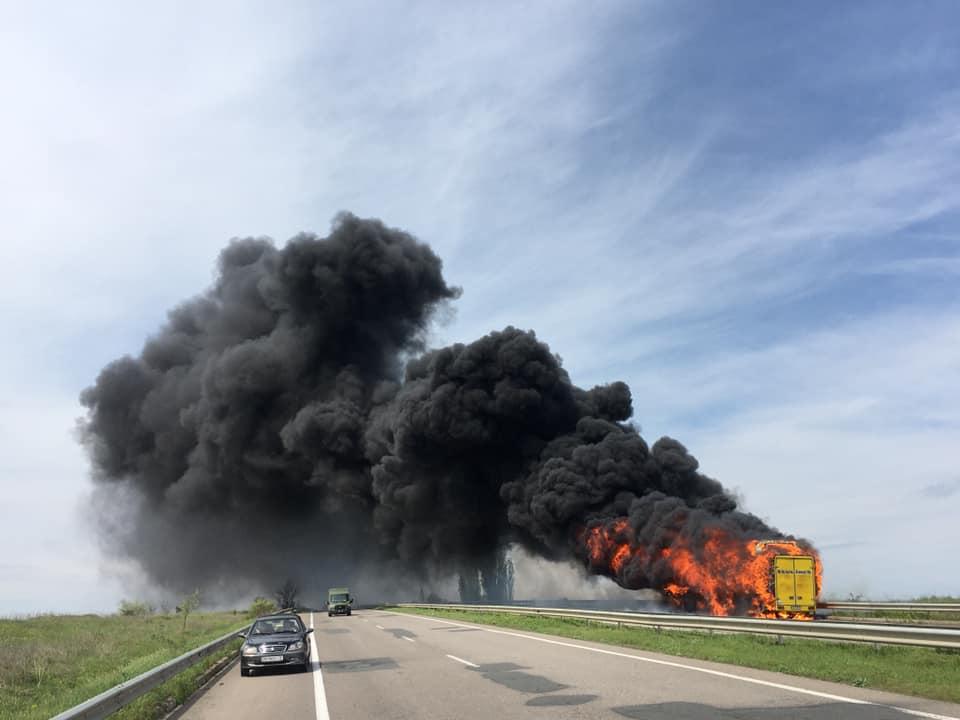 На трассе Одесса-Киев загорелся пассажирский автобус (фото) ОБНОВЛЕНО «фото»