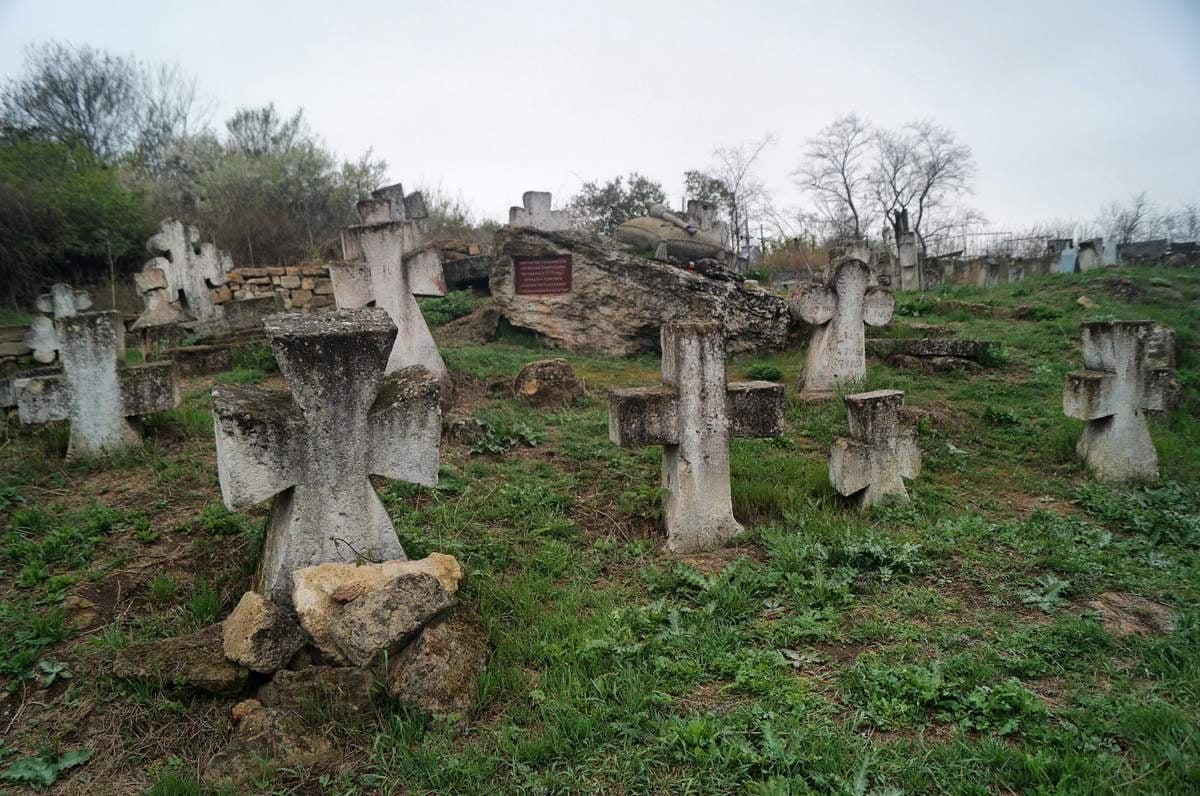Самое старое казацкое кладбище Одессы признали памятником: что с ним будет дальше (фото, аудио) «фото»
