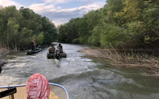 В Одесской области перевернулась лодка с пограничниками: ведутся поиски военнослужащего (фото) «фото»